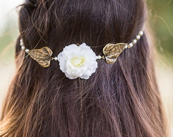 Natural marriage Headband given lustre to pearls, white flower