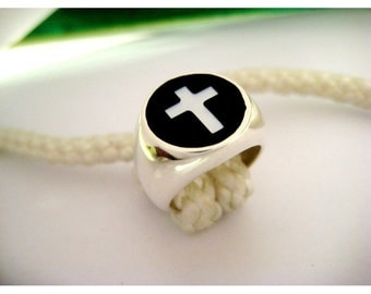 Chevalier ring with cross nacre, silver 925