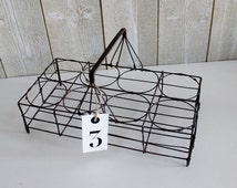 Vintage French wire caddy. Bottle carrier. Wire basket. Antique basket. French wire basket. Glass carrier. Wire rack. France // D412