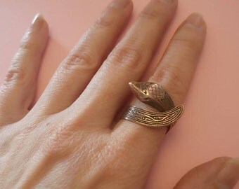 Vintage snake adjustable copper ring
