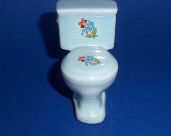 MINIATURE PORCELAIN TOILET Toilette Commode El Inodoro Gabinetto Vintage Light Blue Floral Motif Lavatory Doll House Decor Hand Painted