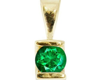 0.50 ct Emerald Pendant-Emerald necklace-Yellow Gold Pendant 14K-genuine emerald necklace-Women Jewelry-For here-Gift idea-Birthday gift