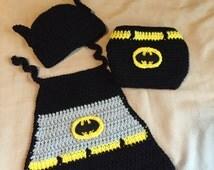 Crochet newborn set inspired by Batman (PDF download)