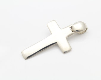 Large Handcrafted Cross Pendant in Sterling Silver. [10348]