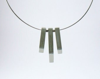 Choker, collar of cement, made and painted by hand