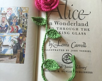 Pretty crochet flower bookmarker