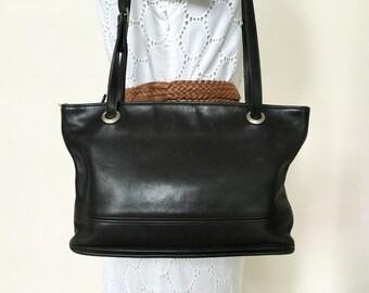 Vintage COACH Black Leather Shoulder Bag Satchel Purse