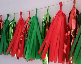 20 Tassel Christmas Tissue Paper Garland, Christmas Decoration, Red and Green Garland, Birthday Party Decorations, Holiday Decorations, Poms