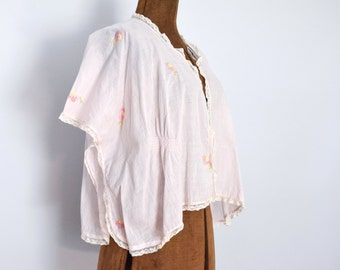 1920s Cotton Kimono Bed Jacket with Floral Embroidery and Lace
