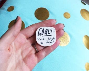 GOALS lapel pin - 3.5 x 3.5 cm