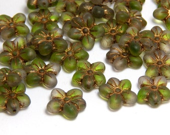 6 Flower Beads, Green Flower Beads, Flower Beads, Natural Flower Beads, Nature Beads, Czech Flowers, Flower Charms, Green Flowers, T-084D