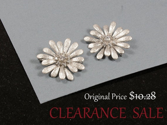 SALE - Flower Charm/ Silver Color Flower Connector with Cubic Zirconia in Matte Rhodium Plating - 2 pcs/ order