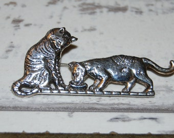 H and H Malteo Sterling Double Kitty Cat Tabby and Spotted Calico Vintage Brooch