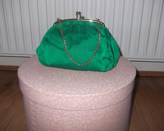 Vintage Classic Elegant Emerald Green Evening Clutch with Chain Handle