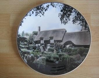 Royal Doulton Anne Hathaways Cottage Collectors Picture Plate TC1027