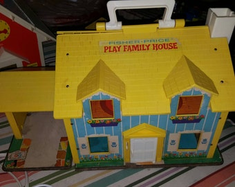 Fisher Price family home - vintage Fisher Price - vintage family home toy - Fisher Price house - Fisher Price toy house - vintage toy house