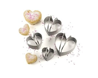 Stainless Steel Heavy Duty Heart Shaped Biscuit Cutters 4 Count, Heart Shaped Cookie Cutters For Creating Desserts For Weddings Or Holidays
