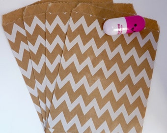Pack of 12 white chevrons on kraft paper favor bags, birthday party, candy bar, wedding, gift, scrapbooking