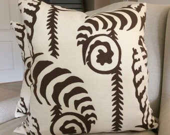 QUADRILLE Alan Campbell Pillow Cover in Chocolate and White Ferns Uni Design,