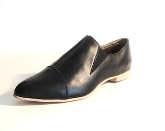 Rose Black Leather Loafer