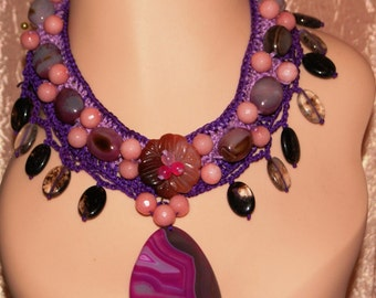 Crocheted necklace Violet