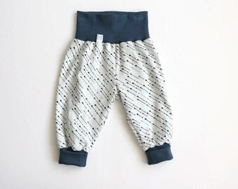 Comfy baby pants. Baggy harem pants. Jersey knit fabric with black and petrol arrows. Infant pants. Gender neutral