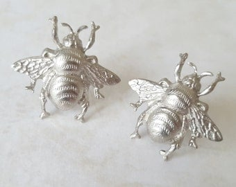 Bee stud earrings, silver bee earrings, silver stud earrings, silver earring, bee earrings, bumble bee earrings, cute earrings, gift for her