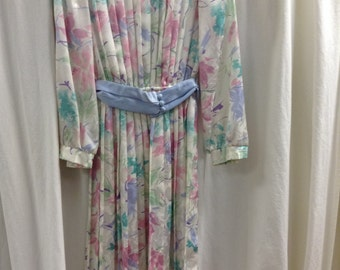70s 80s vintage dress. MAVINETTE dress. Pleated dress. Pastel floral print dress. Size 6-small