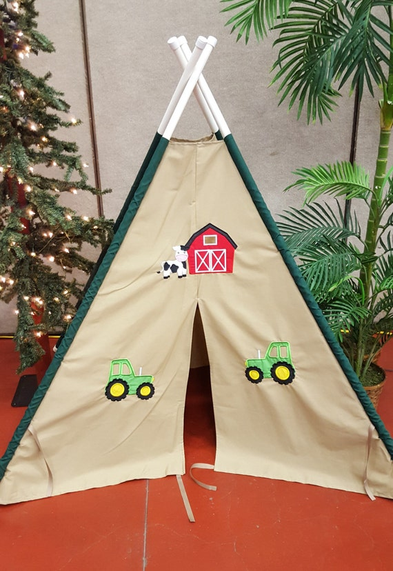 & Barn and Green Tractor Play Tent