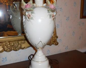 Vintage porcelain urn lamp
