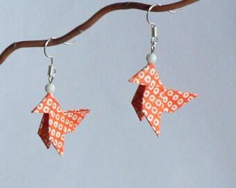 Boucles d'oreilles Origami Cocottes Orange et Ronds Blancs.