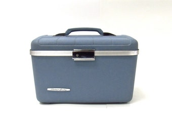 Vintage Baby Blue Starflight Train Case