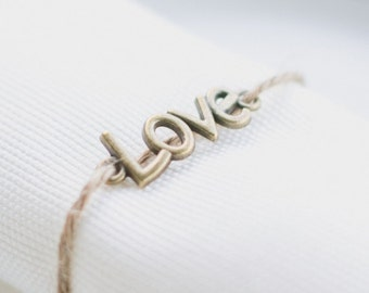 "Rond de serviette ficelle LOVE - Napkin ring with ""LOVE"" charm"