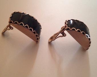 Clip On Earrings / Vintage Earrings / Silver Earrings (Item#EE368)