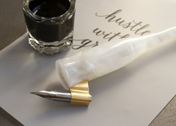 White Acrylic Calligraphy Nib Holder Right Or Left Handed