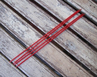 4 Red Double Ended Knitting Needles - Size 2.75 - US 2 - UK12