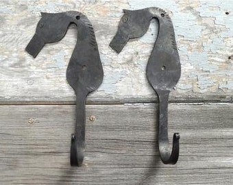 a pair of charming handmade wrought iron horse head hooks BH4