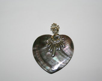 heart-shaped pendant with mother of Pearl