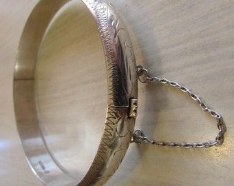 Hinged Diamond Cut Bangle Bracelet