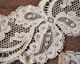 5 meters of antique bobbin Lilles lace, 1800s