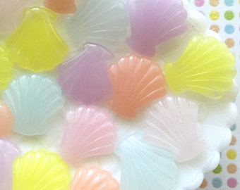 Seashell cabochons , resin seashells , pastel cabochons, decoden cabochon seashells , nautical embellishments , seashell jewelry