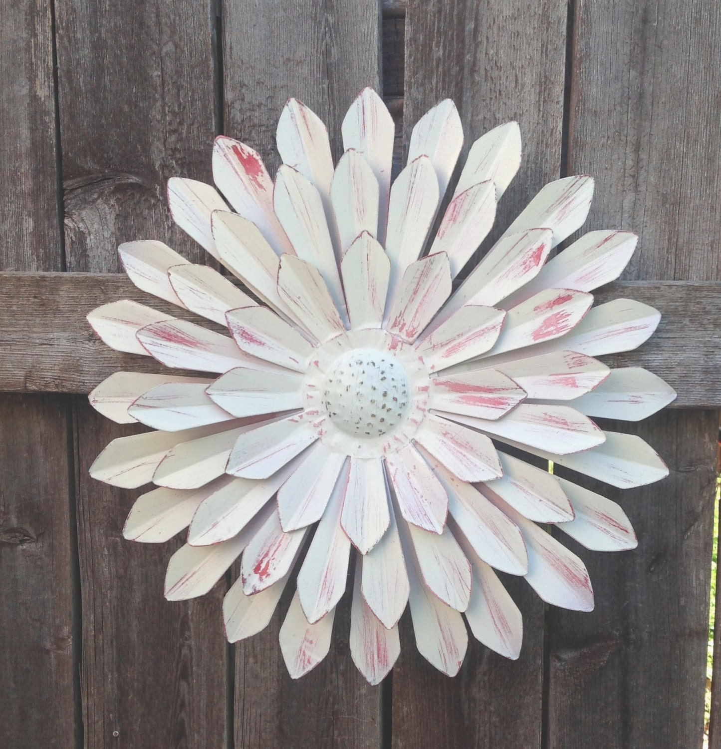 Shabby chic white metal flower fence and wall metal art for Metal flower wall art