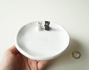 Wedding Ring Holder, Engagement Ring Plate, Wedding Gift, Wedding Decor, Ceramic Plate, Cat Plate