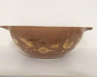 Cinderella Pyrex Large Mixing Bowl - 4 Quart Pyrex Mixing Bowl - Retro Kitchen