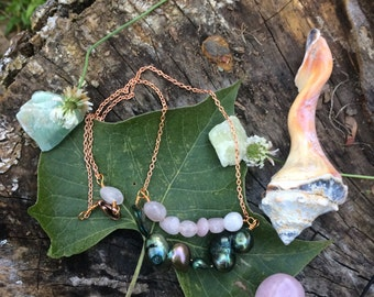 One of a kind - green pearl and rose quartz necklace - 19 inch chain