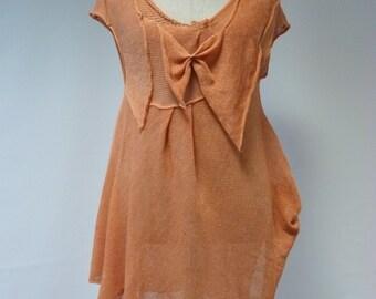 Sale! New price 50 EUR, original price 68 EUR. Irregular tangerine linen tunic, L size.
