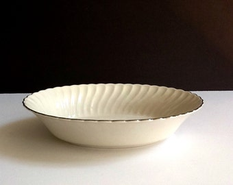 "Mid Century Syracuse China Oval 10"" White Vegetable Bowl, Wedding Ring Pattern, Platinum Trim, Silhouette Shape, Made in USA"