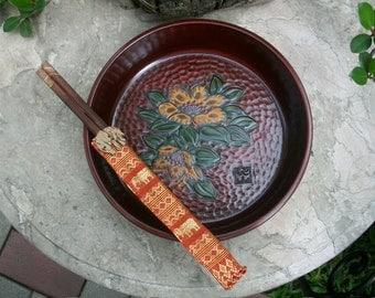 1960s Japanese Showa Period Kamakura Bori Wood Carving Bowl Signed With Vintage Wooden Chopsticks