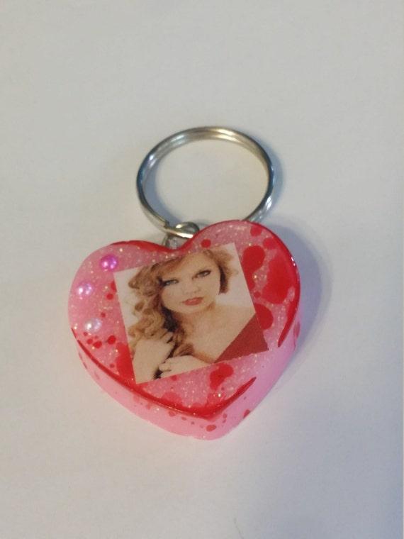 pink blood splatter resin keychain by