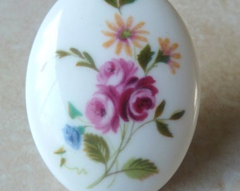 Vintage Crown Staffordshire Floral Bouquet English China Brooch.